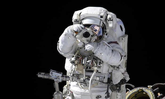 Космонавт Олег Новицкий показал в Instagram быт на МКС