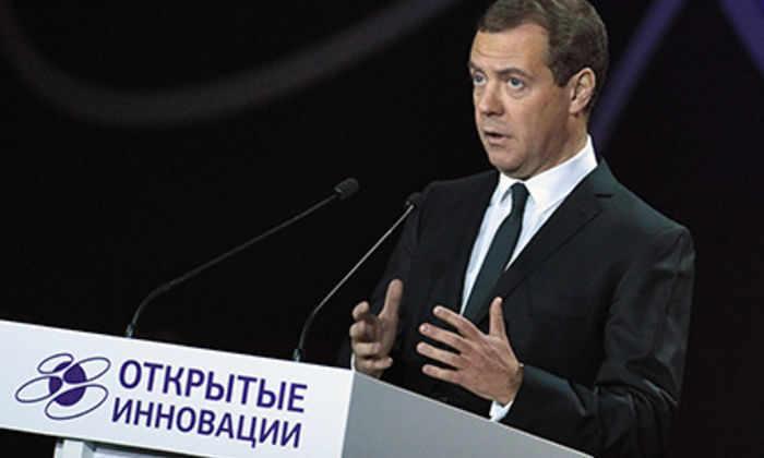 Медведев изменил порядок защиты диссертаций