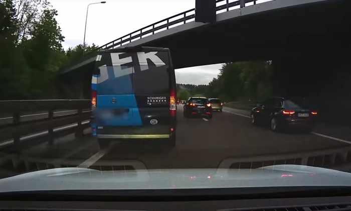 Видео: автомобиль Tesla врезался в фургон из-за отказа круиз-контроля