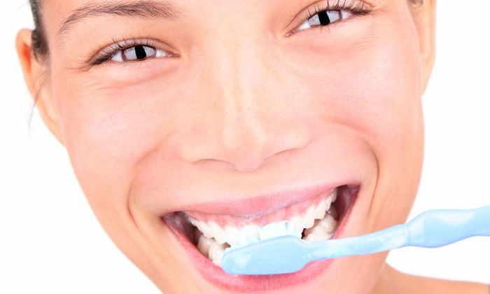Регулярная чистка зубов поможет предотвратить болезнь Альцгеймера