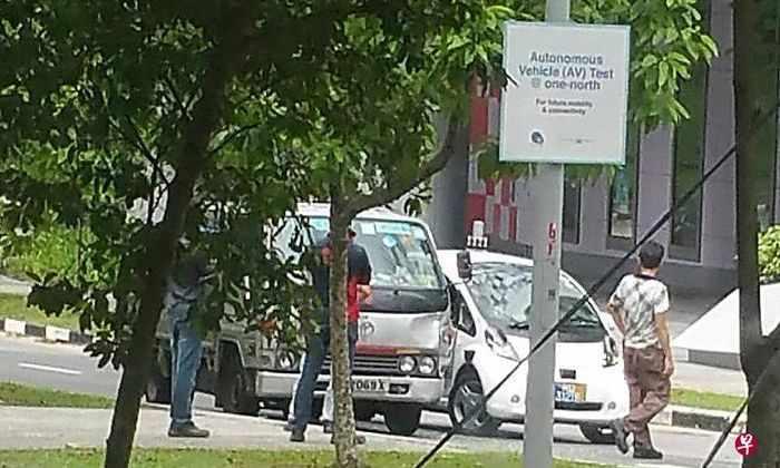 Самоуправляемое такси в Сингапуре попало в аварию