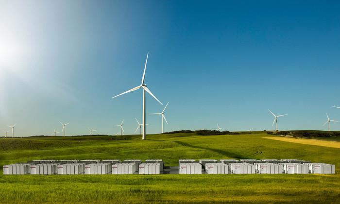 Илон Маск подарит Австралии самый большой аккумулятор в мире. И самый мощный