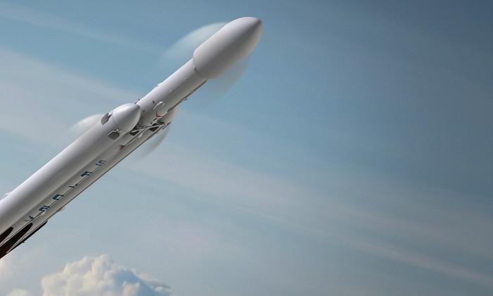 SpaceX объявила о планах испытать Falcon Heavy уже летом