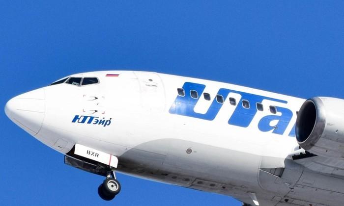 Все равно что поднять двух слонов: можно ли открыть дверь самолета во время полета