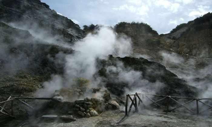 В Италии пробуждается вулкан, из-за которого 200 тысяч лет вымерли неандертальцы