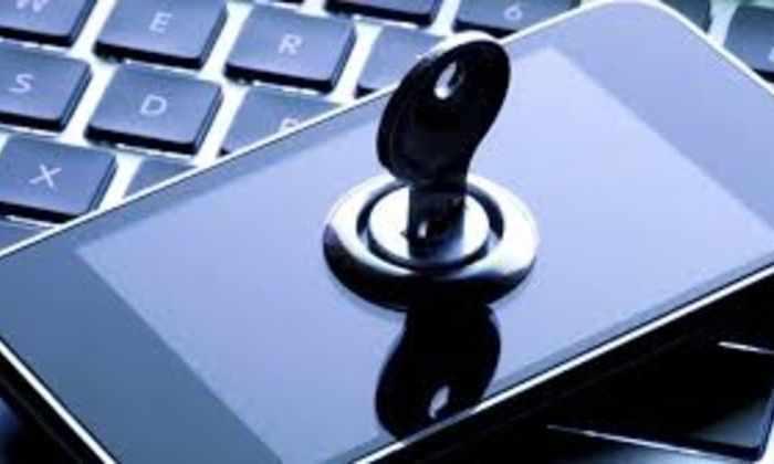 Американские хакеры здорово разозлили конгрессмена, подслушав его телефон