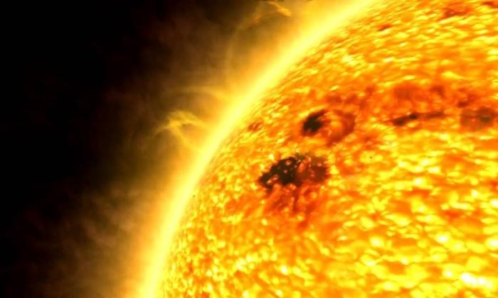 Астрономы впервые засняли поверхность звезды вблизи. Это не Солнце