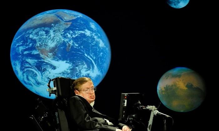 Стивен Хокинг призвал колонизировать другую планету в течение 100 лет