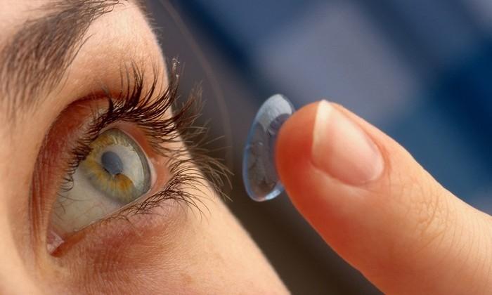 Врач нашел в глазу женщины 27 контактных линз