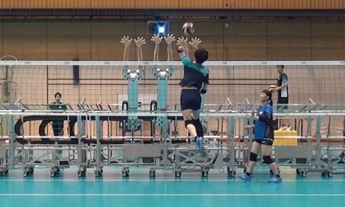 Робот-«волейболист» помогает японской команде практиковать атаки