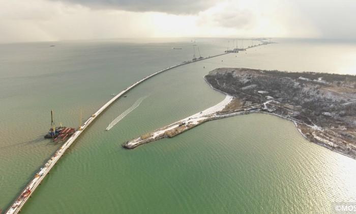 Космонавт сфотографировал с МКС строящийся мост в Крым