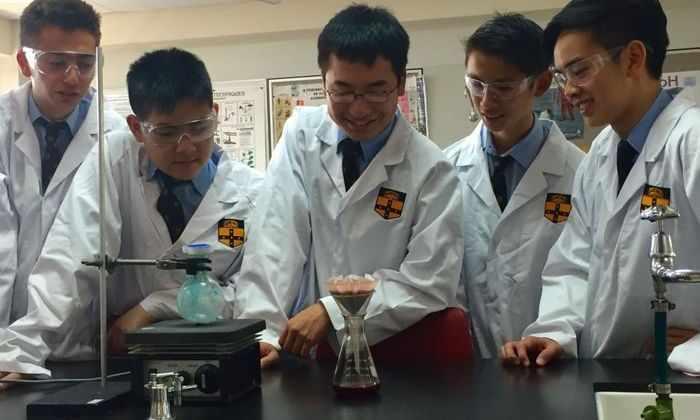 ВАвстралии школьники синтезировали препарат для ВИЧ-инфицированных