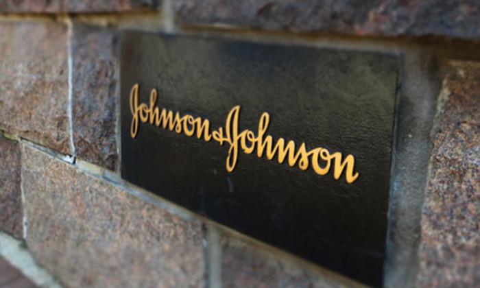 Johnson & Johnson обязали выплатить $110 млн женщине, заболевшей раком