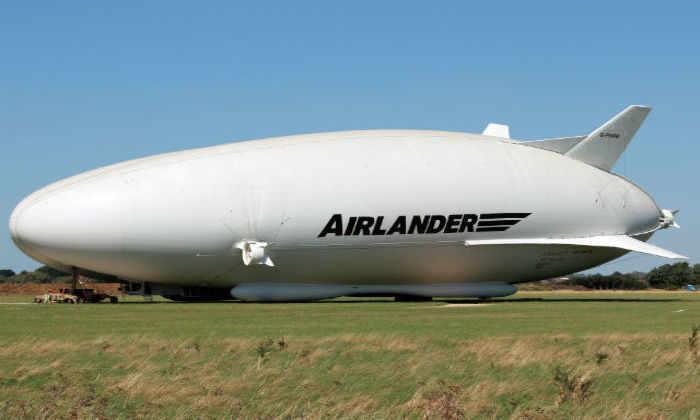 Самый большой дирижабль в мире совершил свой первый полет