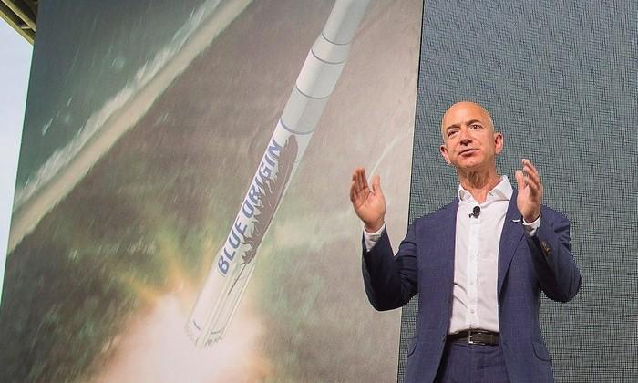 Джефф Безос намерен создать сервис доставки на Луну