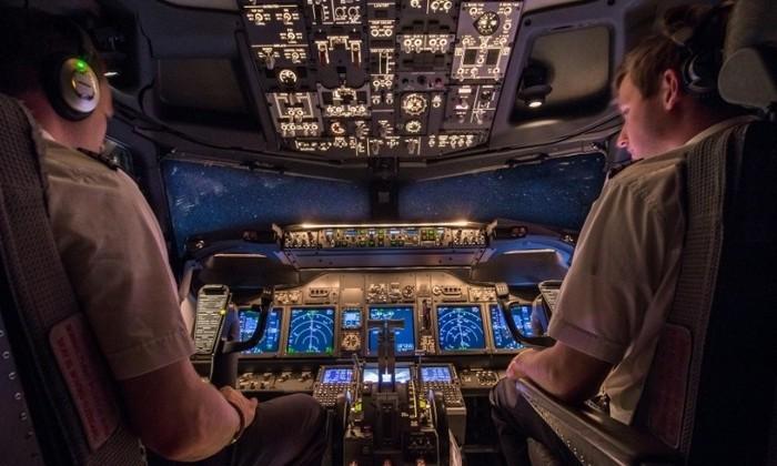 Сможет ли неподготовленный пассажир посадить самолет