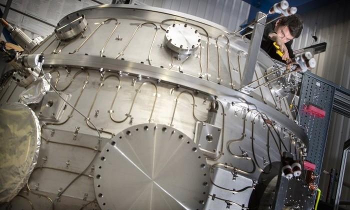 Термоядерный реактор ST-40