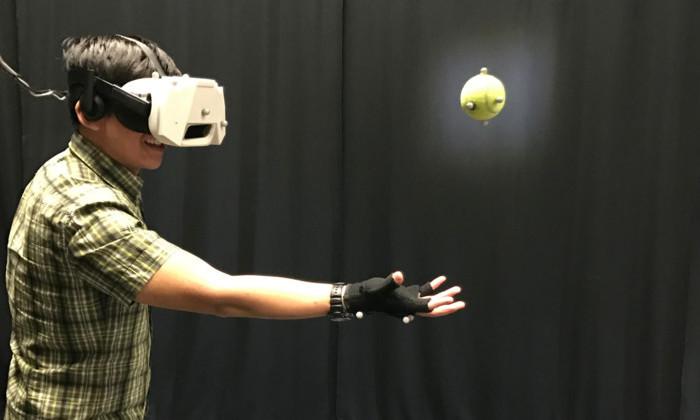 Тактильные ощущения в виртуальной реальности