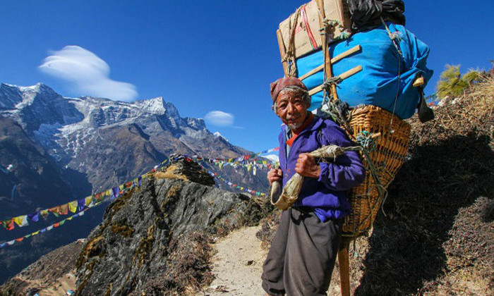 Сверхлюди: стало известно, как шерпам удается преодолеть гипоксию на Эвересте