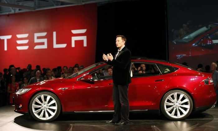 Tesla продаст акции на $2 млрд