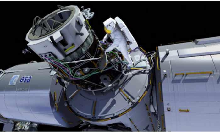 Астронавты НАСА в прямом эфире установят на МКС парковку для космических такси